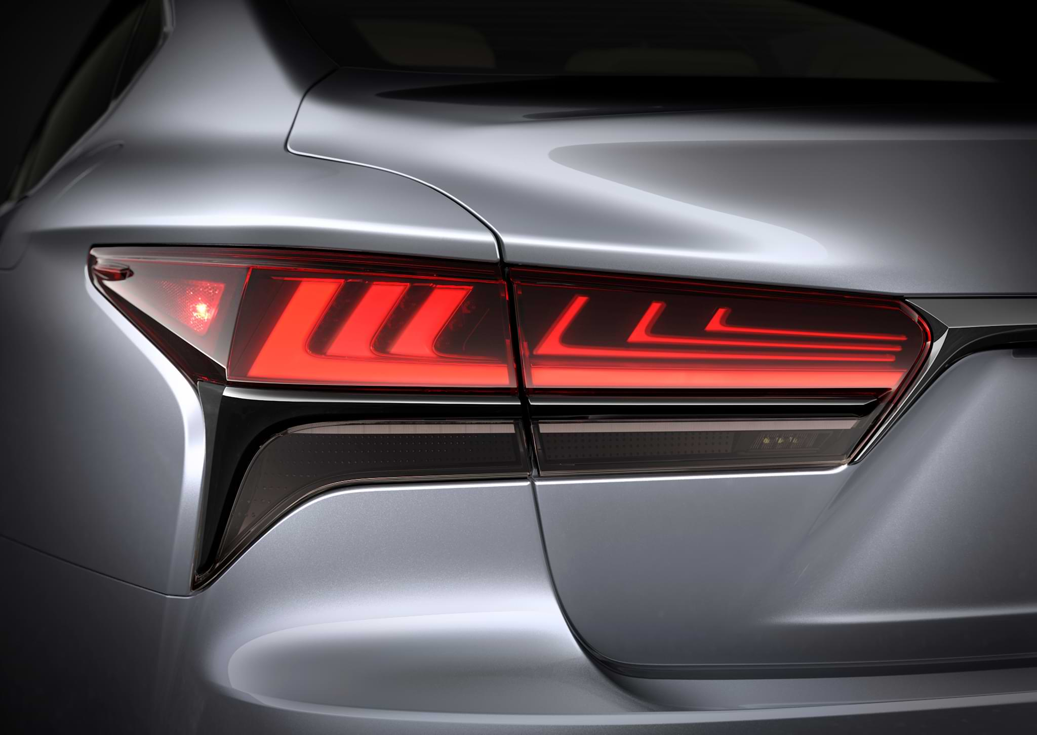 Lexus LS rear light